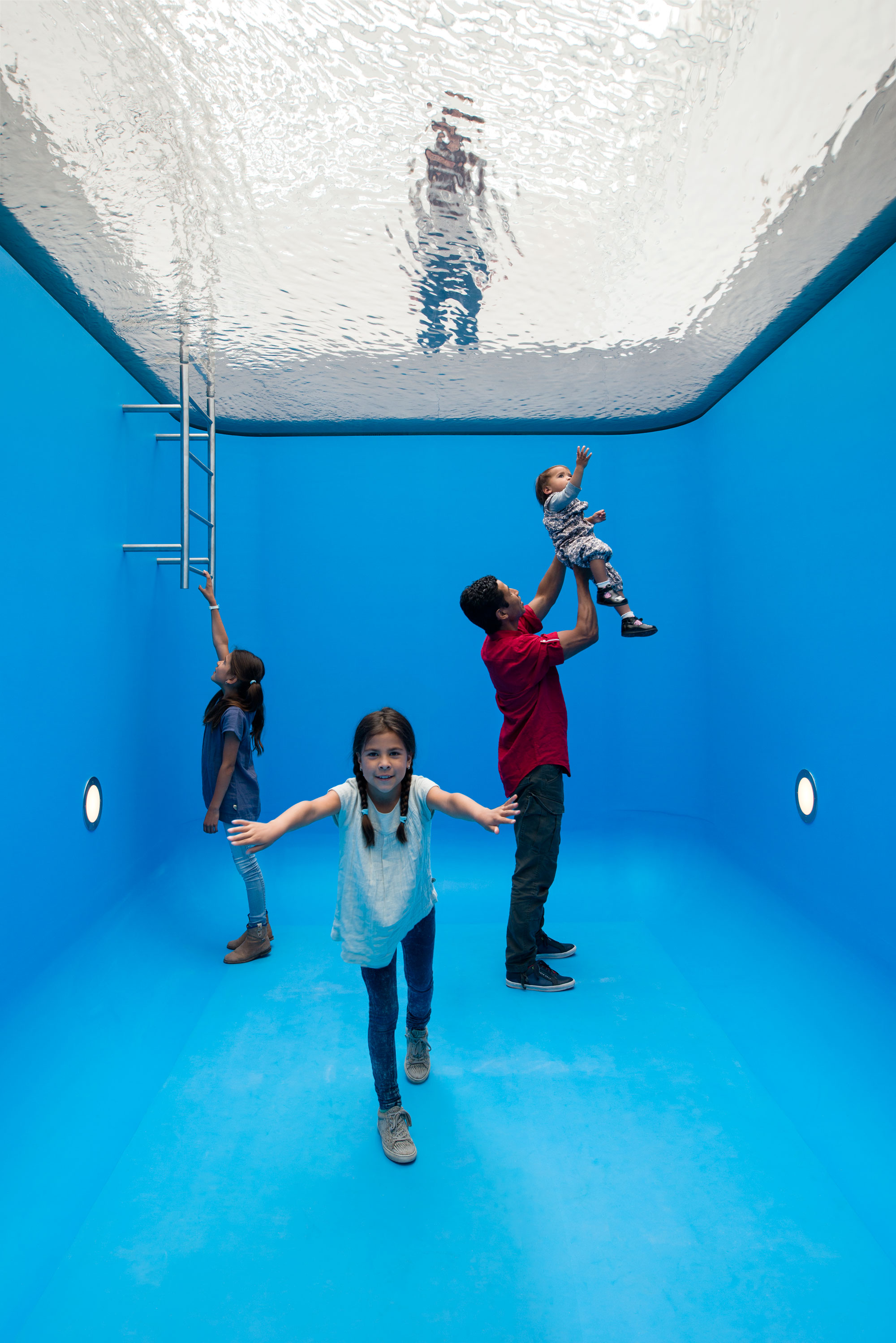 swimming-pool-leandro-erlich-museum-voorlinden