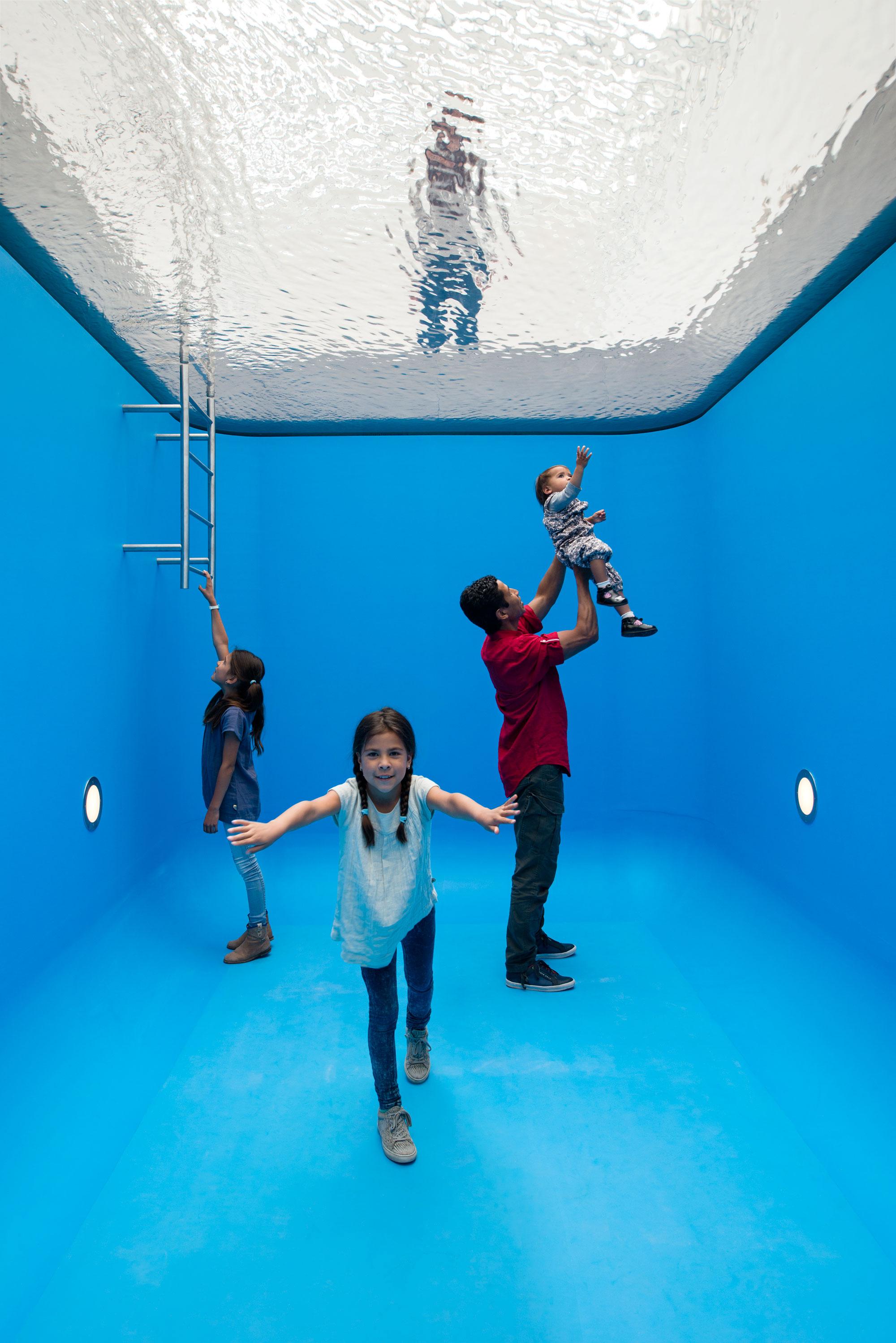 swimming-pool-leandro-erlich-museum-voorlinden