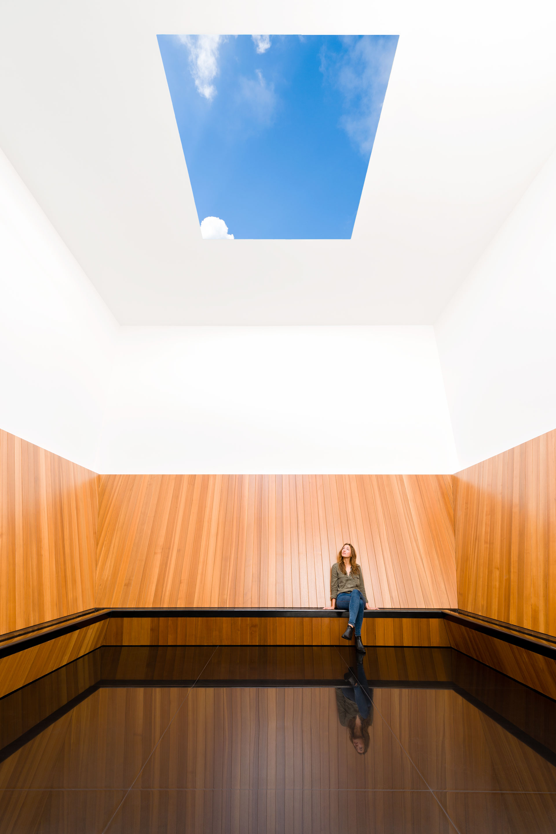 Turrell-Skyspace_Voorlinden_AntoineVanKaam_preview